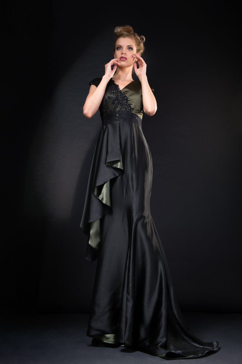 107-Georgina-Hobor Fashion/Adv