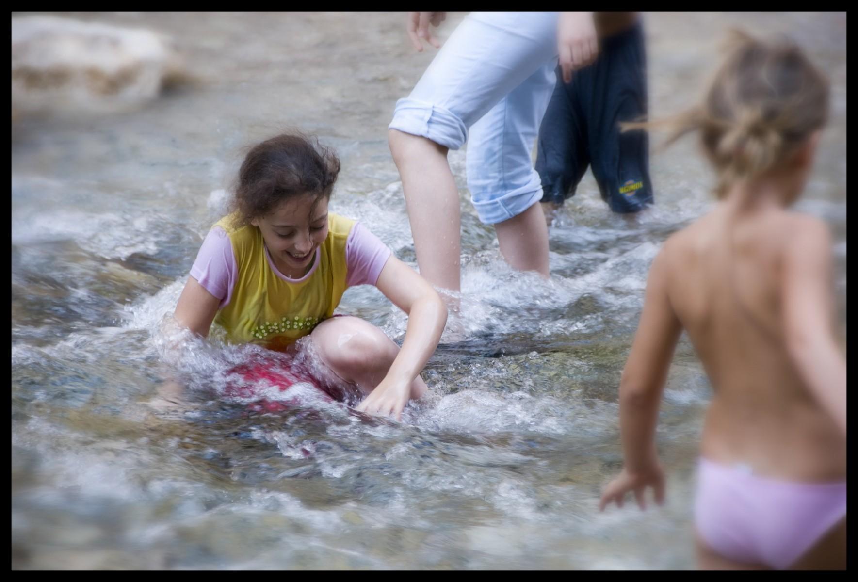 104618_DSC0123-play-in-water Storie di Luce