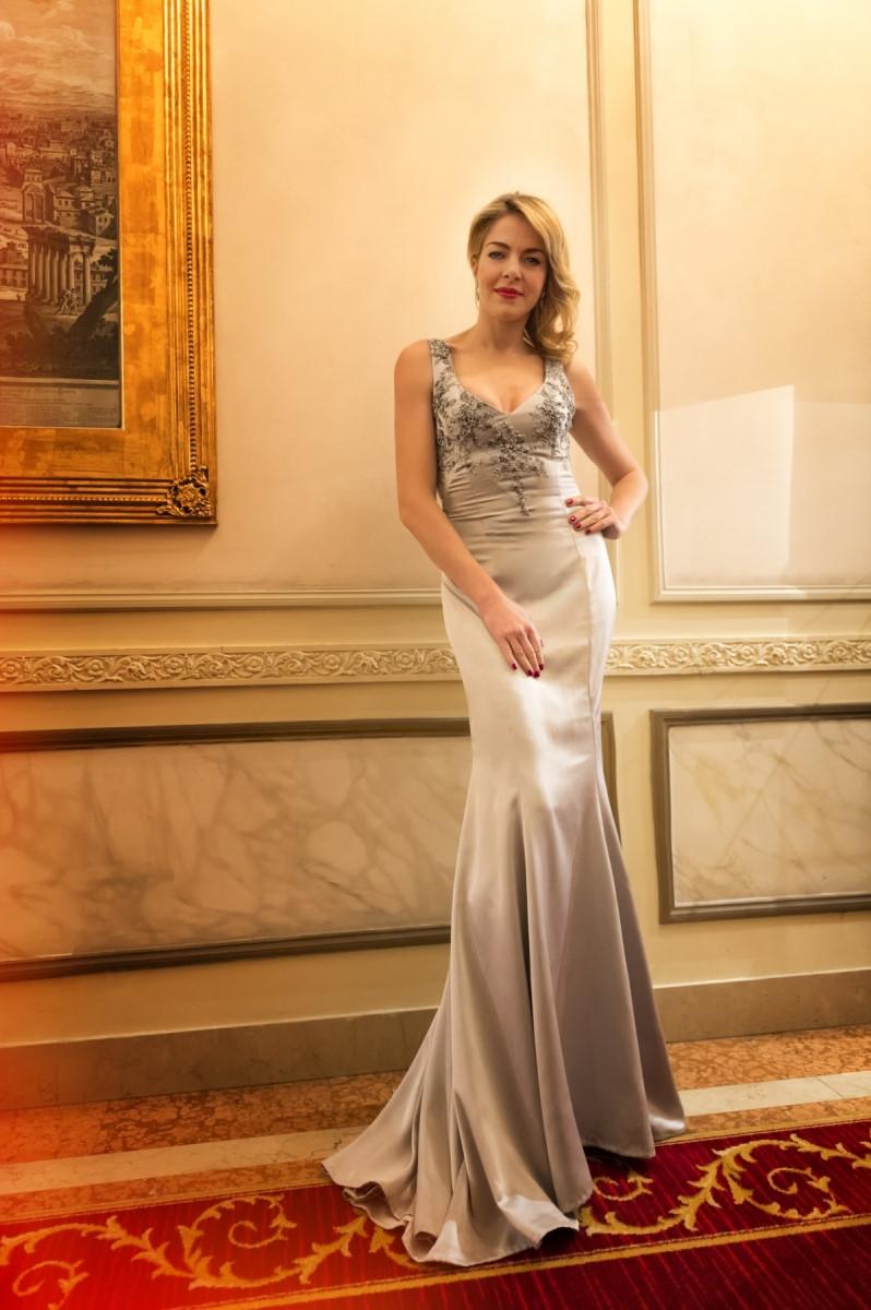 Claudia Gerini per Azzurra Di Lorenzo Designer
