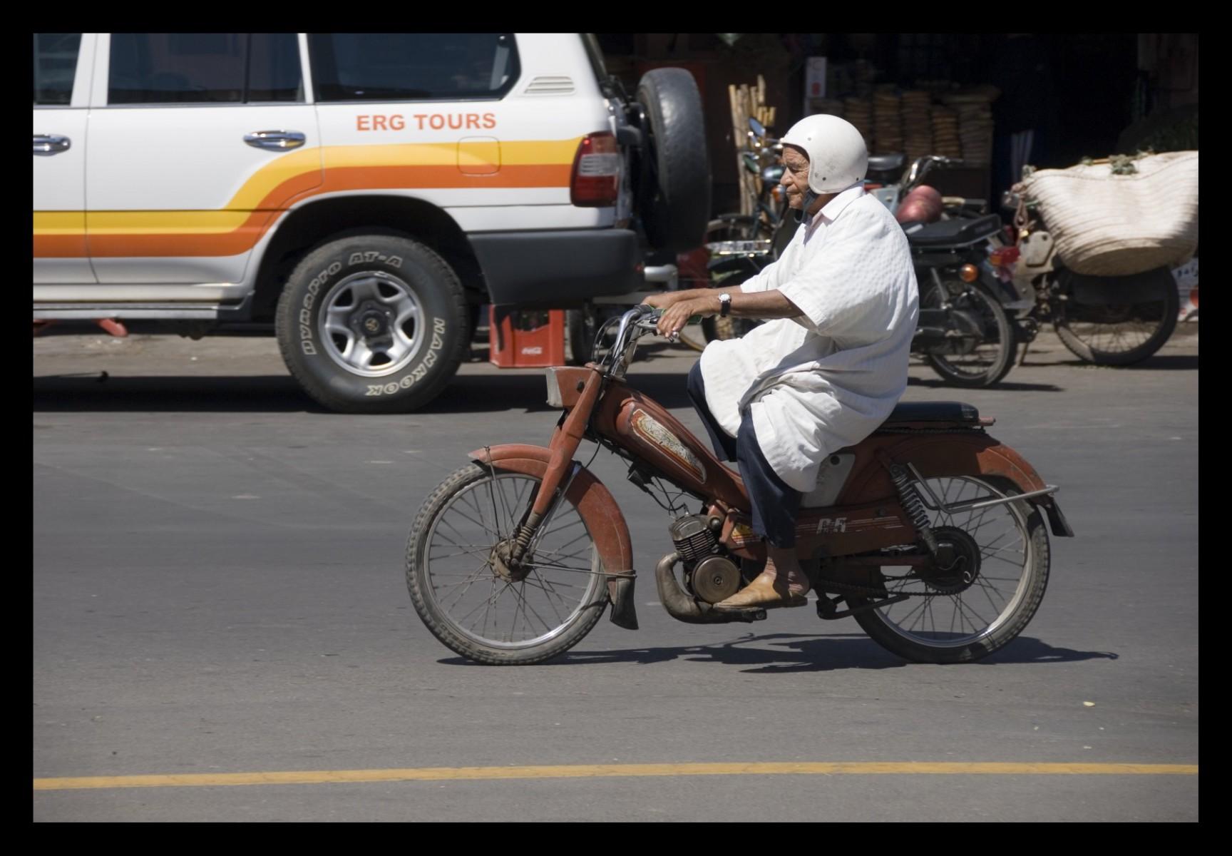84814_DSC0130 bikers 1